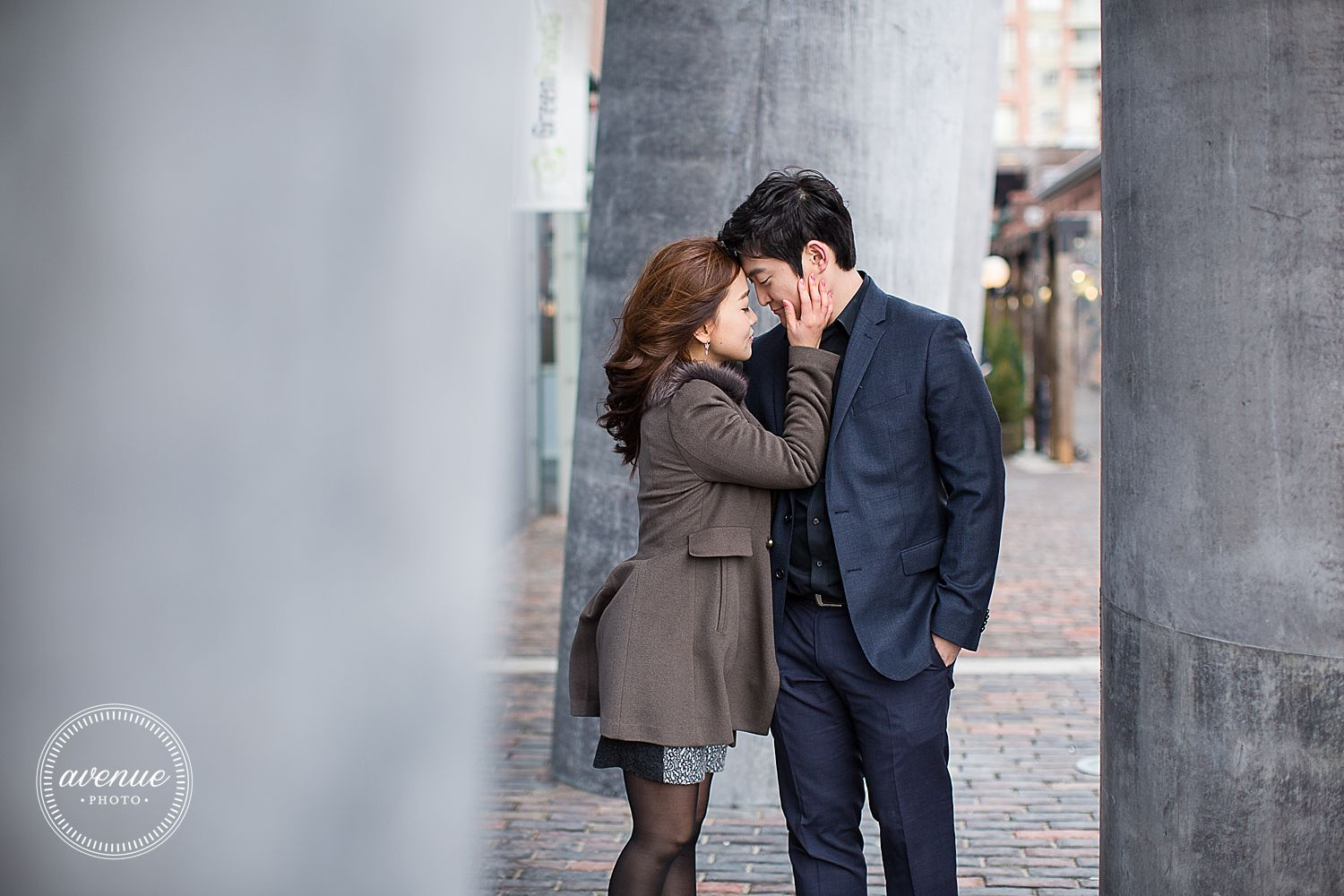 Distillery District Engagement Photos / Avenue Photo