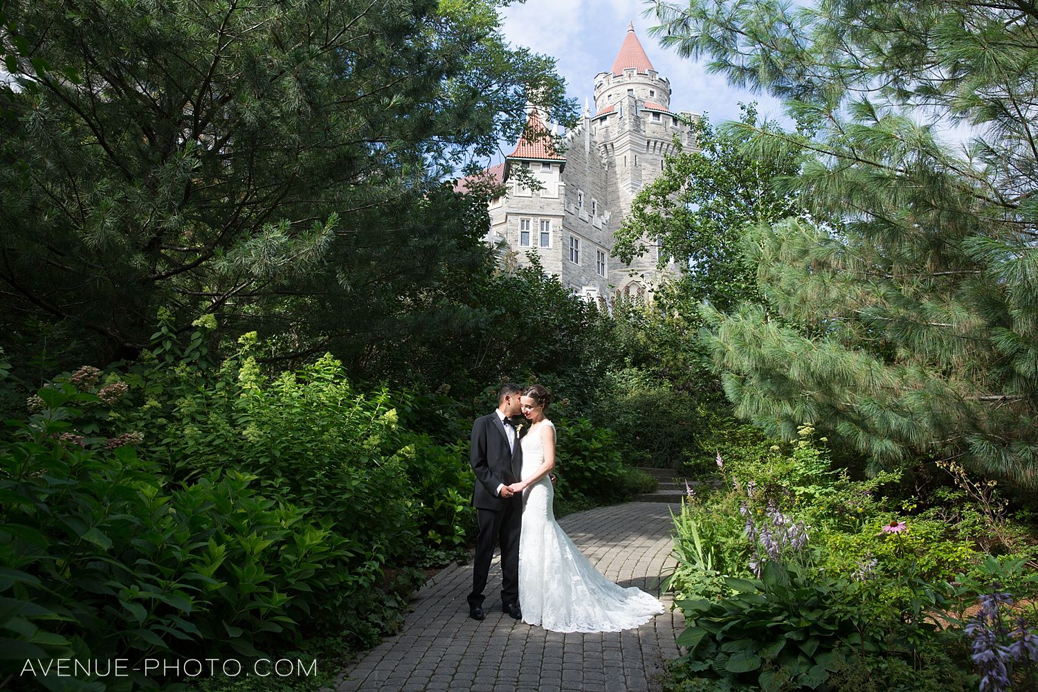 casa loma wedding photos, casa loma wedding, casa loma, wedding photos casa loma, toronto wedding photographer, james gardens weddding photos