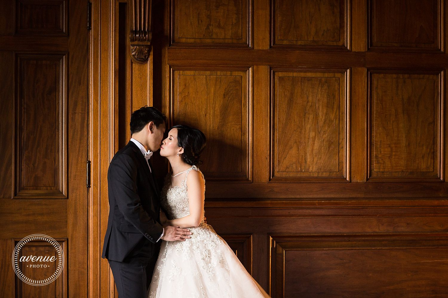 One King West Wedding Photos, Toronto Wedding Photographer