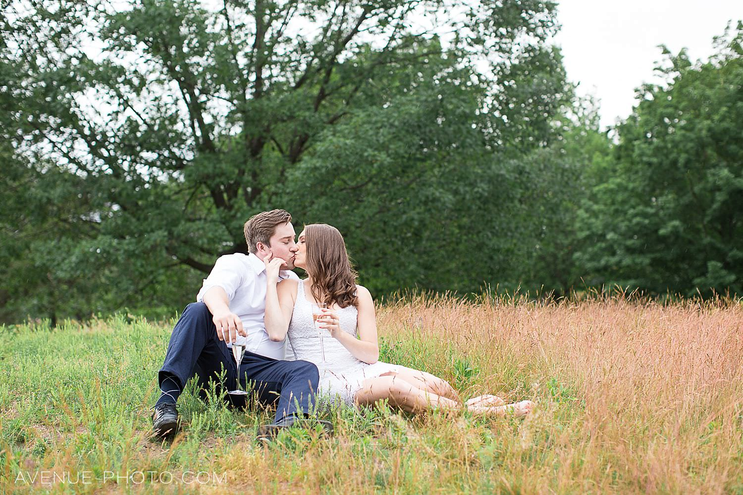 Romantic High Park Engagement Photos, Toronto Engagement Photos, High Park, Avenue Photo